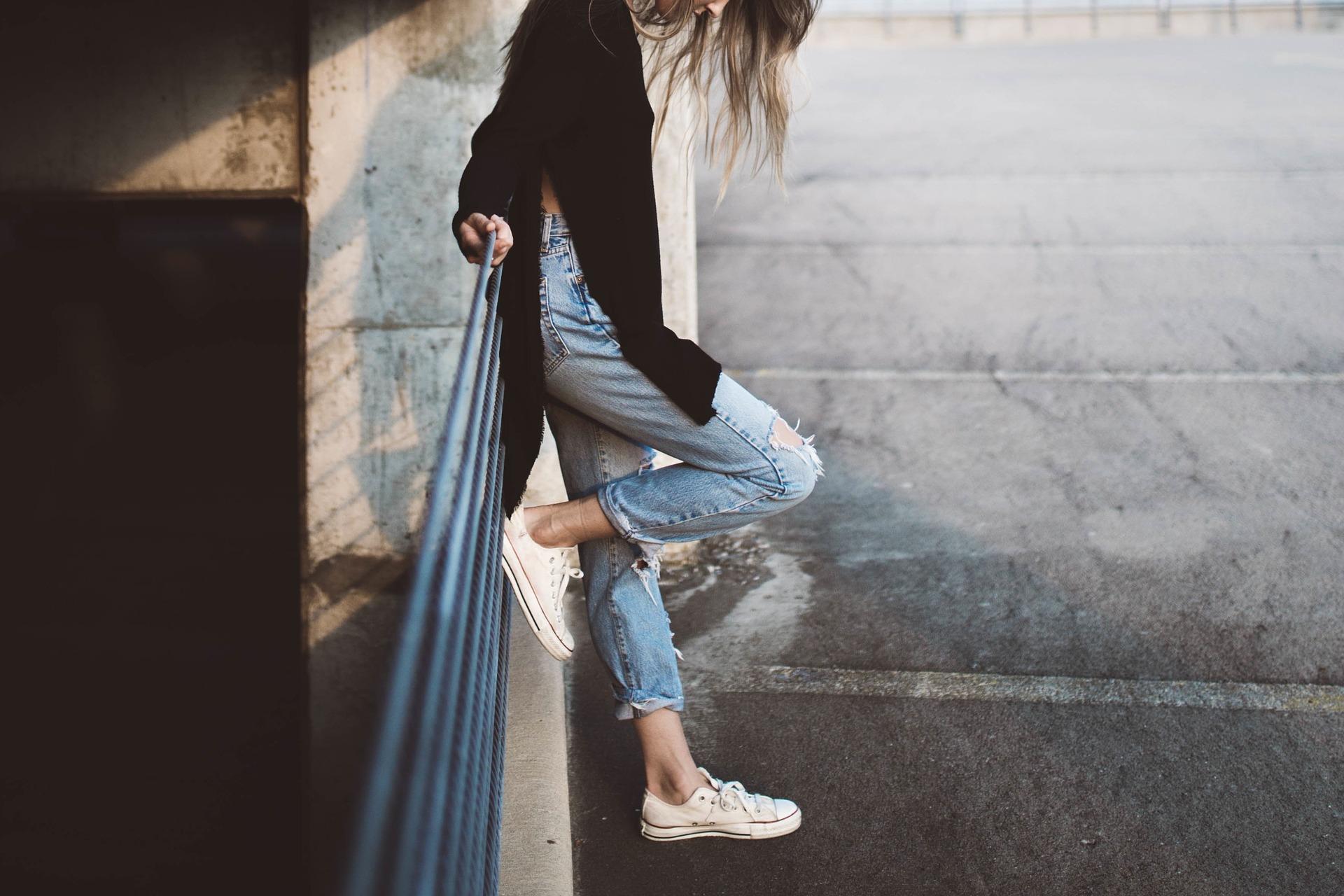 Skąd się wzięła moda na buty damskie?